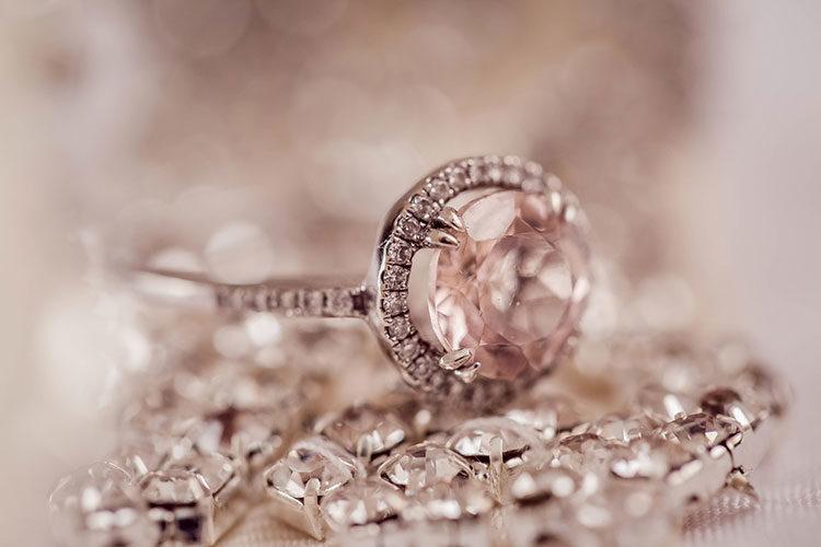 derrochador El cielo isla  Como distinguir un diamante de un cristal Swarovski - Noticias Web Argentina